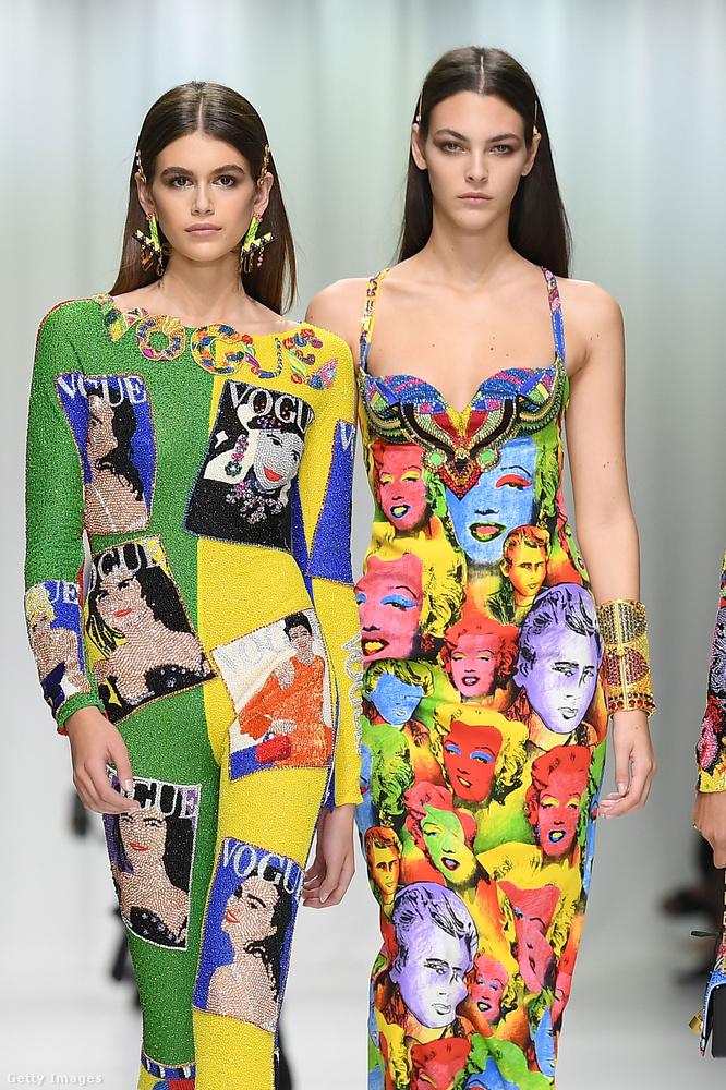 Kaia Gerber és a 19 éves olasz kolleganője, Vittoria Ceretti a Versace kifutóján.