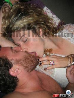 Katt a képre, ha orális szexet akar! (vigyázat, korhatáros tartalom!)