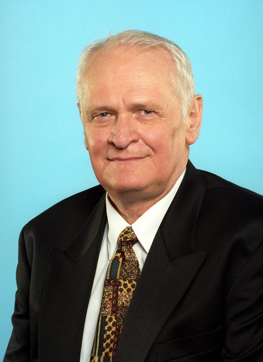 Nepp József 1999. március 15-én a Kossuth- és Széchenyi-díjak átadásán a Parlamentben.
