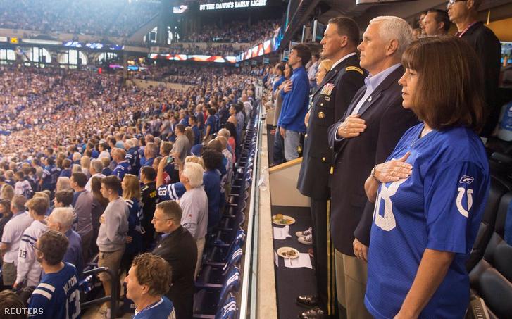 Mike Pence a vasárnapi 49ers-Colts mérkőzésen