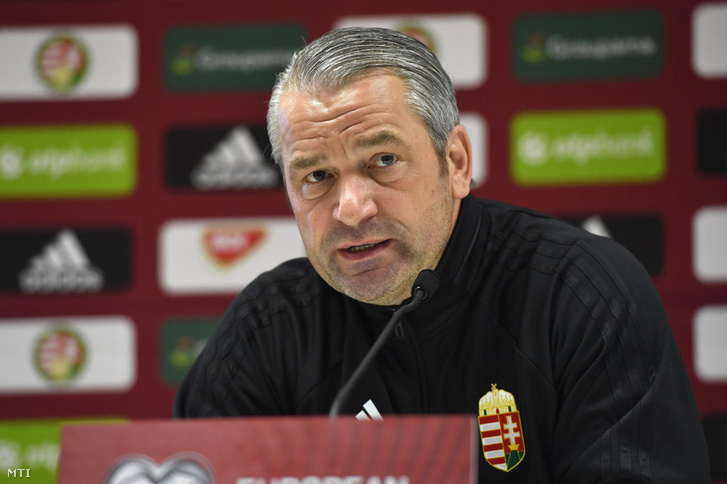 A magyar válogatott szövetségi kapitánya, Bernd Strock a hétfői sajtótájékoztatón