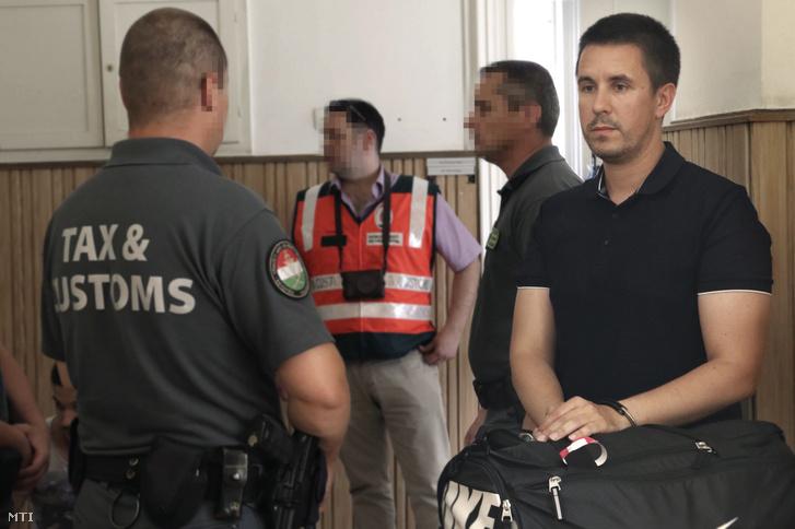 2017. június 15-én a bíróság elrendelte egy munkaerő-közvetítéssel foglalkozó, többmilliárd forintos adócsalással gyanúsított bűnszervezet kilenc tagja, köztük Czeglédy Csaba előzetes letartóztatását.