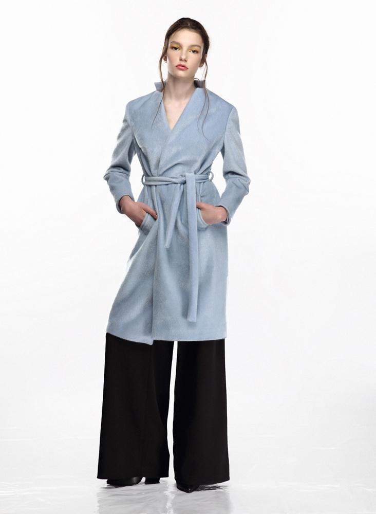 A Galla szerint is divatosak lesznek a fürdőköpeny-szerű kabátok az ősszel.