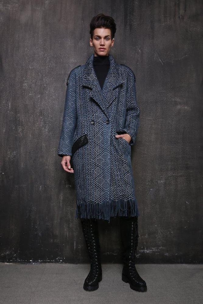 Elegáns kabát a Cukovy őszi-téli kollekciójában.