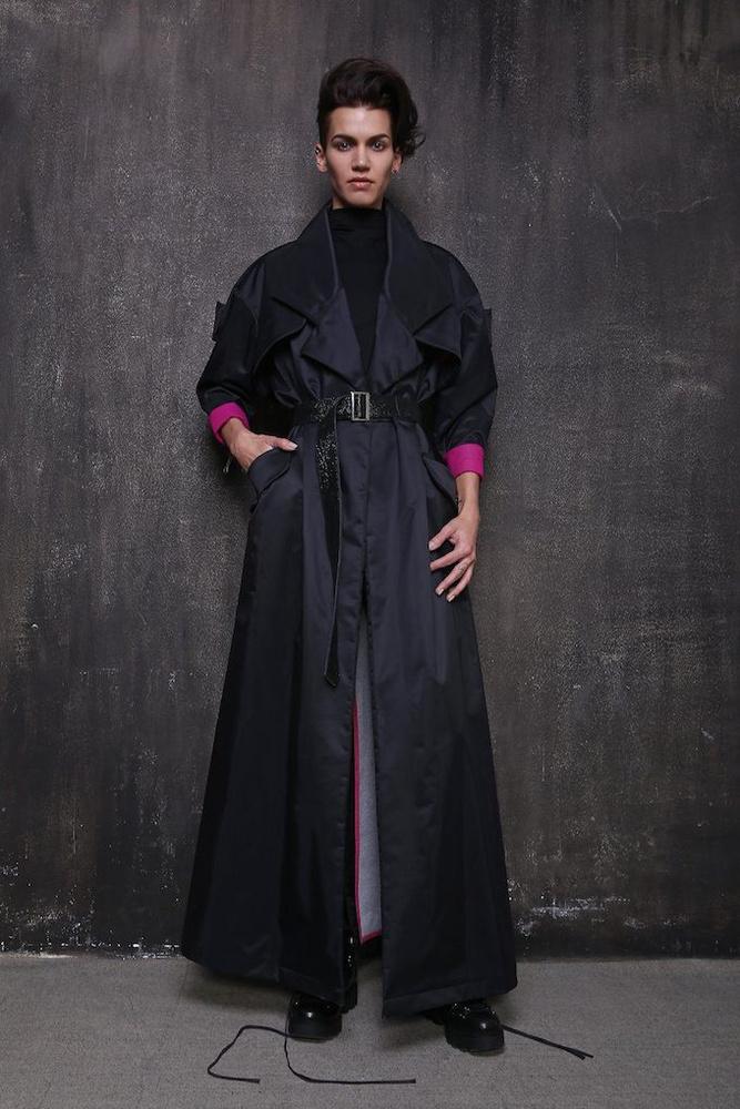Átjön a futurisztikus vonal a ruhákon.