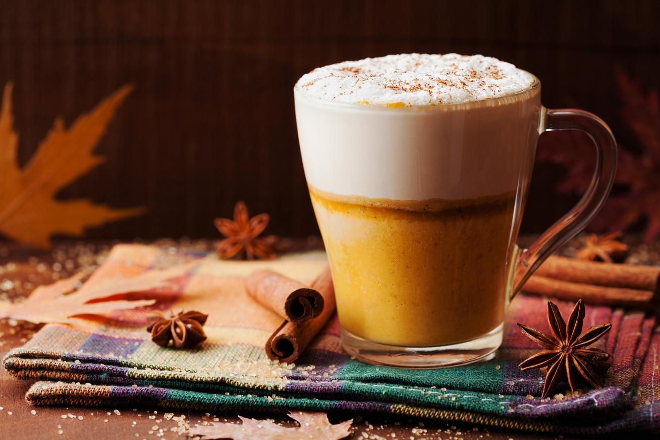Sütőtökös, fűszeres latte: így készítsd el otthon a nagy kedvencet