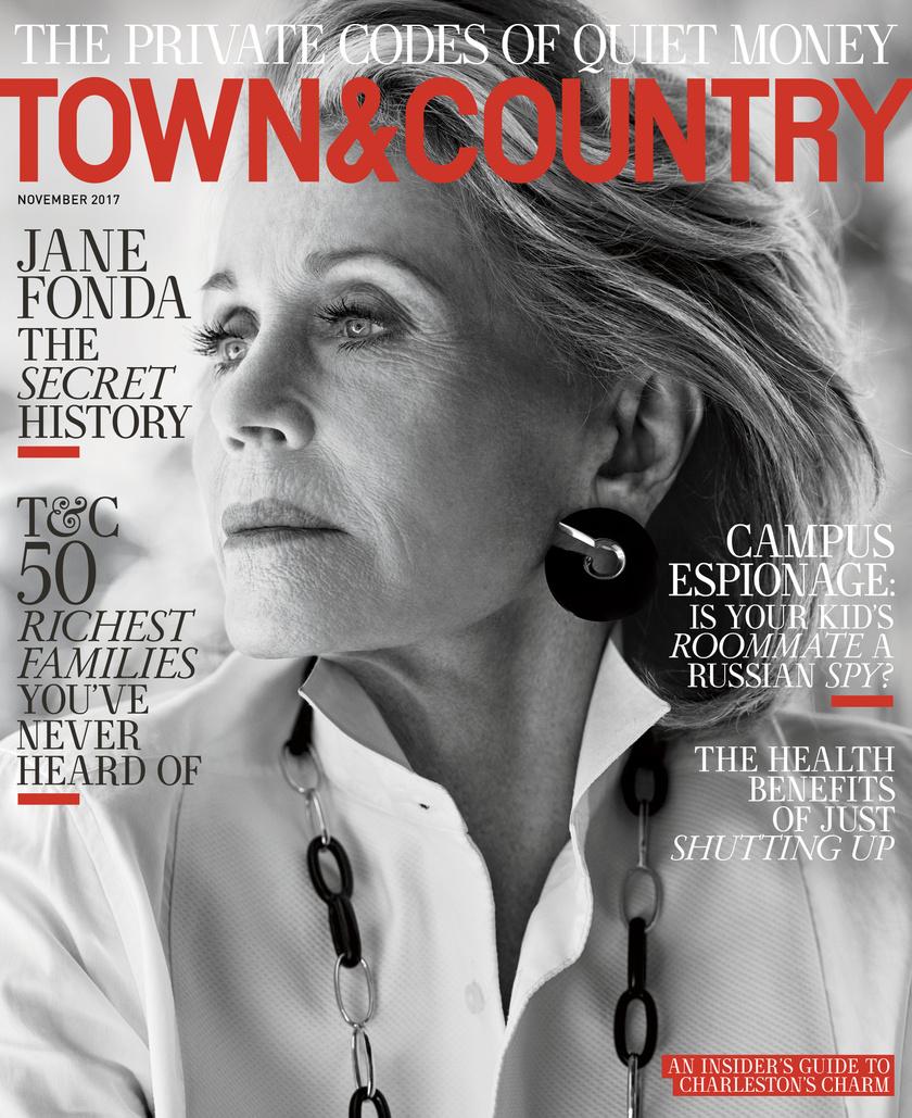 Jane Fonda teljesen retusálatlanul a Town & Country magazin címlapján. Csodásan néz ki 79 évesen.
