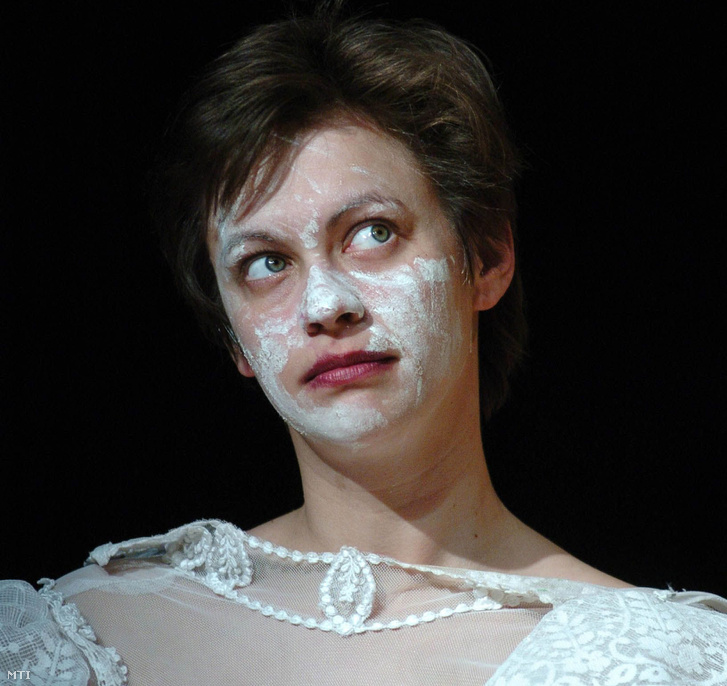 Sárosdi Lilla Christien szerepében Dunai Ferenc: Van Gogh szerelme címû színmûvében amelyet a Jászai Mari Színház társulata mutott be Simon Balázs rendezésében 2008. március 8-án a Thália Színházban.