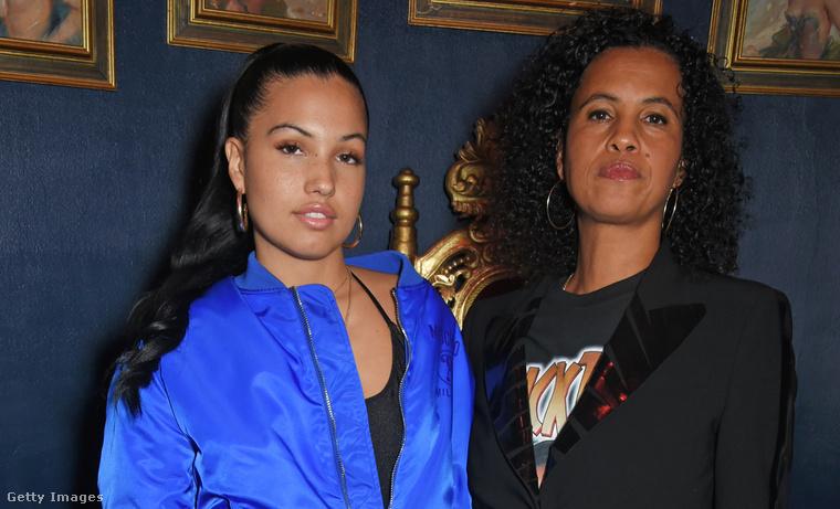 Anya és lánya együtt most szeptember közepén a londoni divathéten Jeremy Scott partiján.