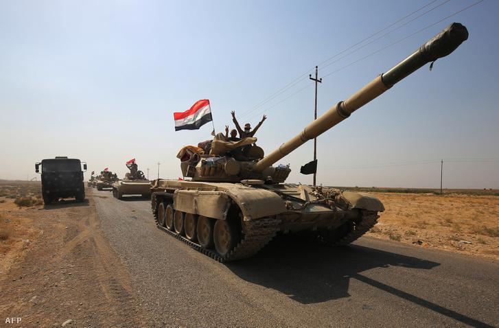 Iraki tankik Kirkuk közelében 2017. október 15-én
