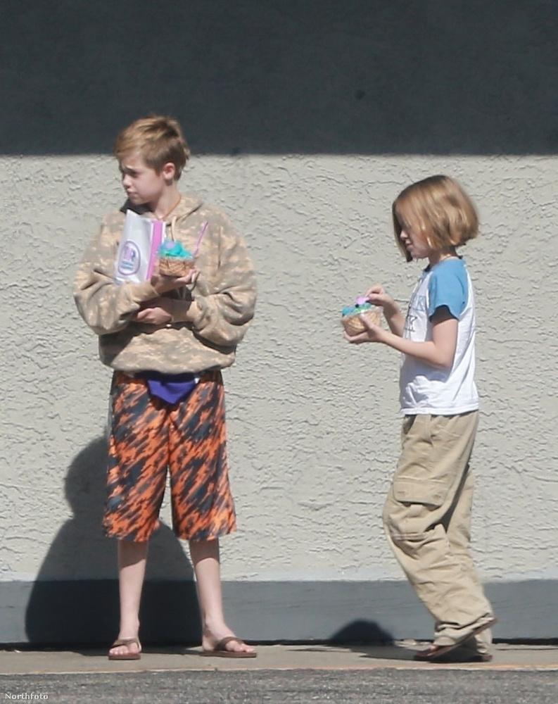 A friss fotók egyébként egy shoppingolás során készültek róla, amin húgával Vivienne-nel vettek részt.