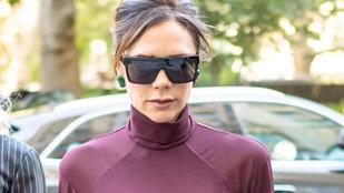 Victoria Beckham alaposan megmutatta a mellbimbóját a fotósoknak