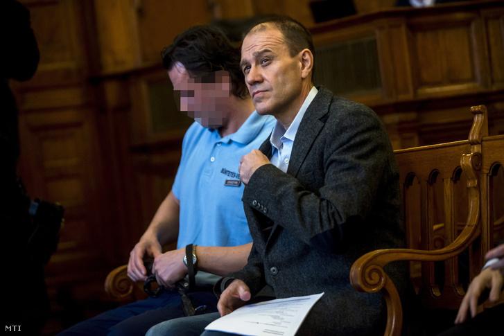 Tarsoly Csaba vádlott a tárgyalóteremben az ellene és társai ellen indított büntetõper tárgyalásán a Fõvárosi Törvényszéken 2016. október 13-án.