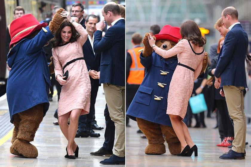 A hercegné nem számított rá, hogy táncba viszi a maci, azonban szívesen pörgött-forgott Paddington karjaiban.