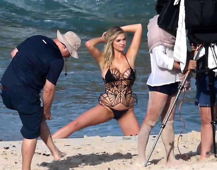 Ahogy azt megírtuk, a modell épp a Bahamákon áll modellt a Sports Illustratednek.