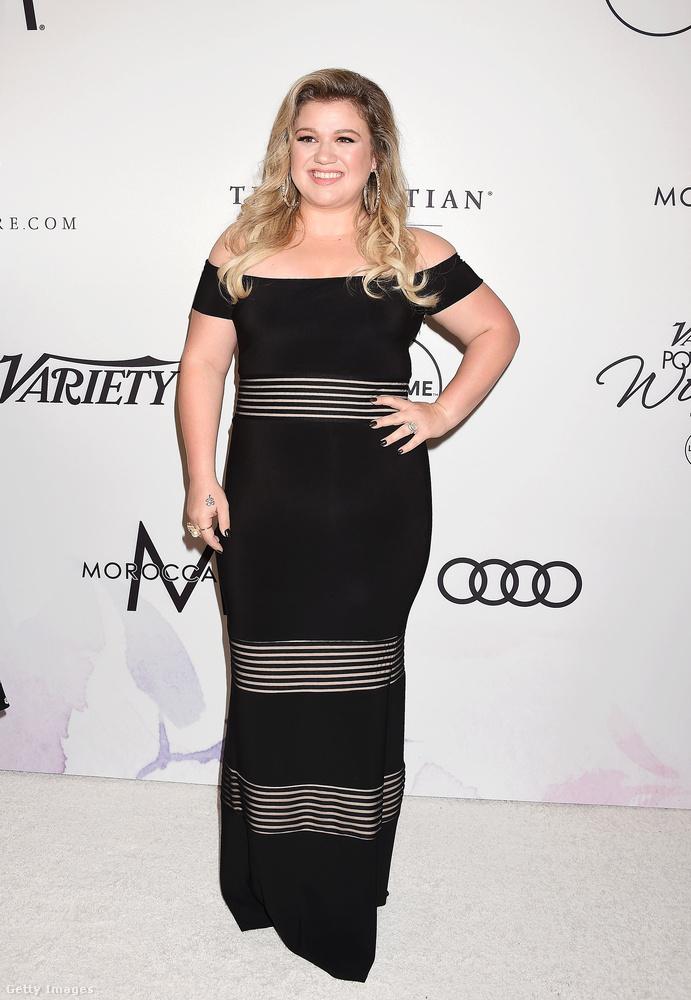 És így nézett ki Kelly Clarkson a múlt hét pénteken