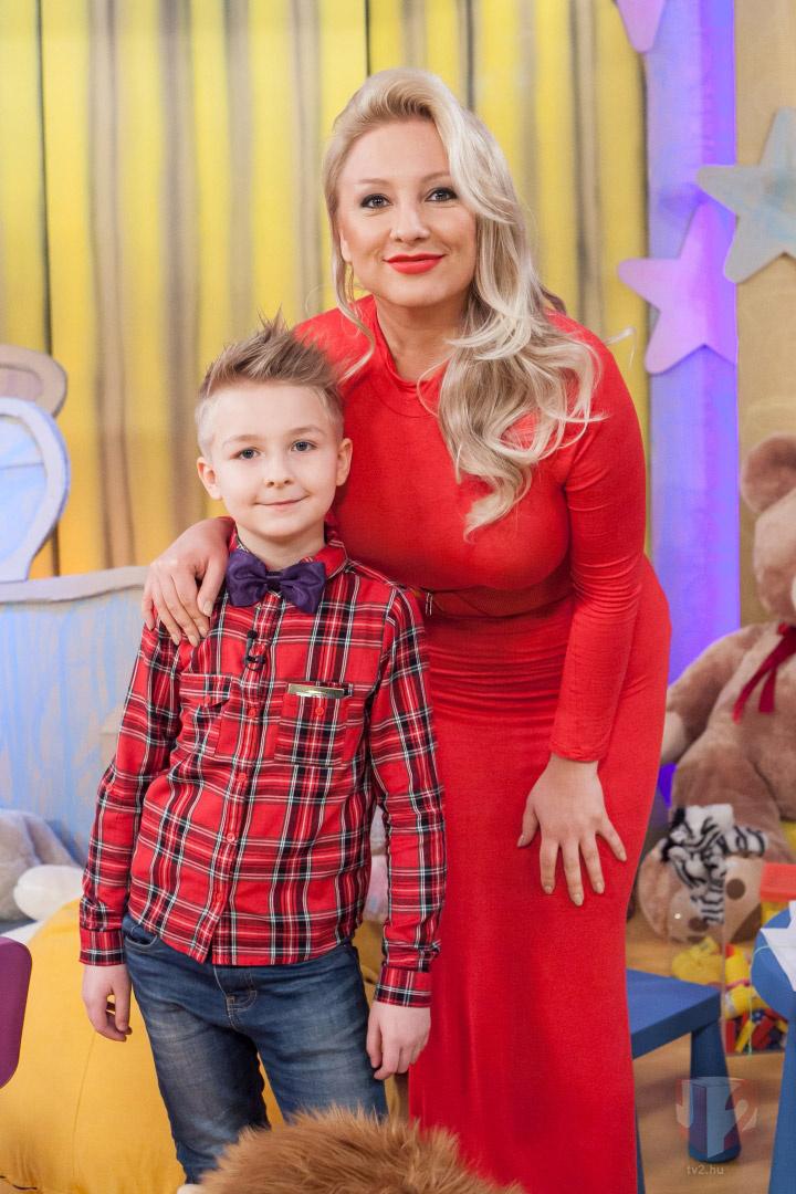 Szabó Eszter és kisebbik fia, Armand idén áprilisban szerepeltek a TV2 Vigyázat, gyerekkel vagyok! című műsorában.