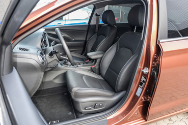 Magasabb, kisautósabb székek a Hyundai-ban
