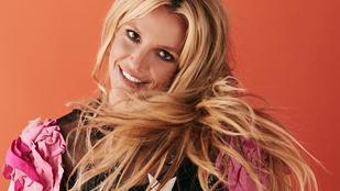 Ebben a videóban nemcsak az a meglepő, hogy Britney Spearsnek mekkora melle van