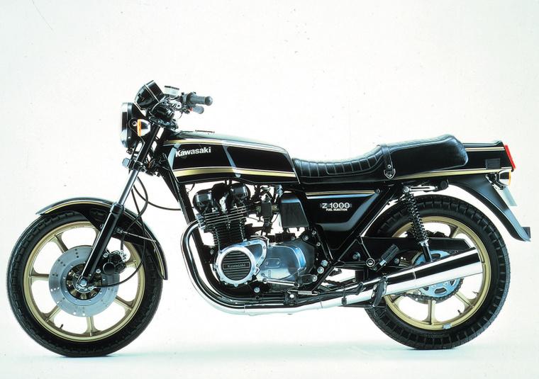 Kawasaki KZ1000                         A befecskendezés már minden kategóriában alap, pedig nem annyira régi technológia