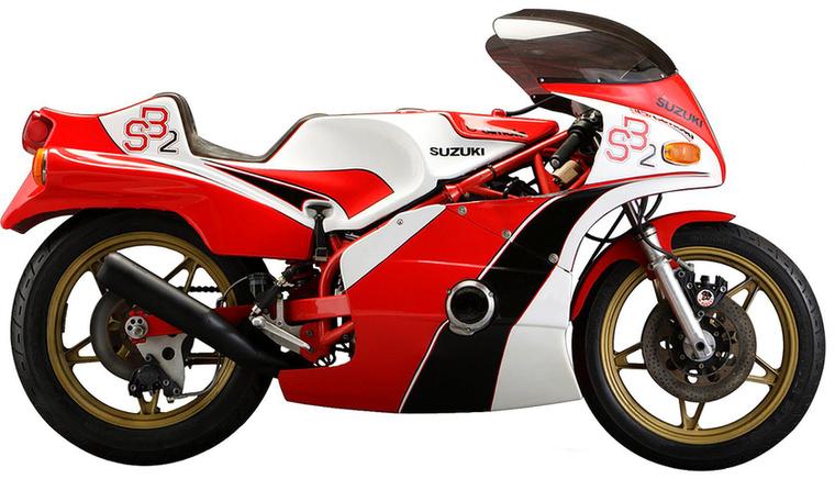 Bimota SB2                         Ismét egy Massimo Tamburini tervezte gép, csak régebbről: a mestert nem érdekelte a formatervezés, őt a funkció foglalkoztatta, szerinte ha egy motor igazán jó és végiggondolt, akkor szükségszerűen szép is lesz