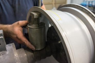 Munkában a hidraulikus munkahenger