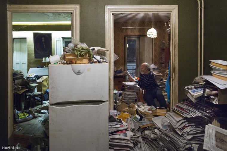 Ez az úr Jean, hatvan éves, valahol Franciaországban él és kényszeres gyűjtögető.
