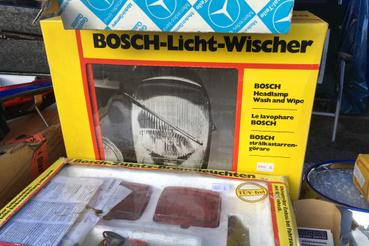 Utólagosan felszerelhető fényszórótörlő berendezés. Eredeti dobozában, potom 1000 Euróért