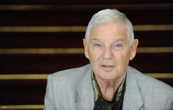 Marton László