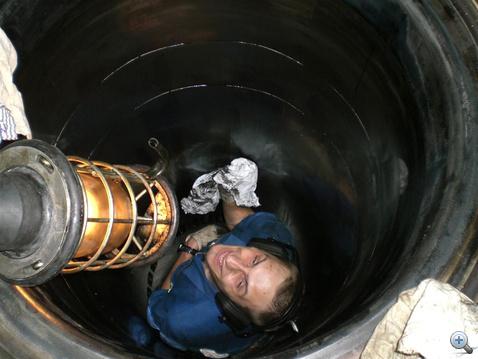 Hengerfal-tisztogatás belülről