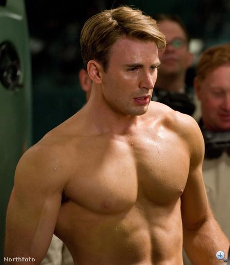 Chris Evans mint Amerika kapitány. Hűha