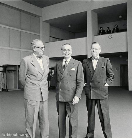 A hármak bizottsága 1956-ban, középen Gaetano Martino