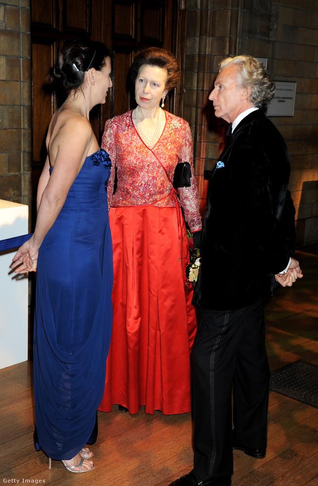 Feltételezhetően ez a piros estélyi sem 2008-ban volt először a hercegnőn
