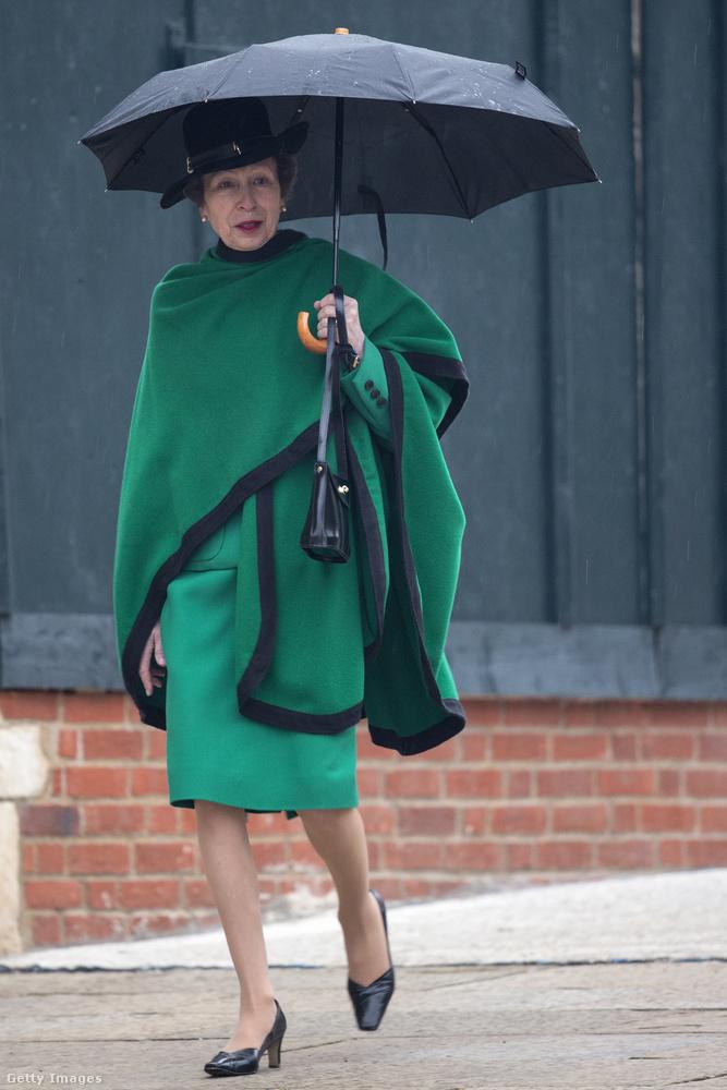 Tetőtől-talpig zöldben 2014 áprilisában Windsorban.
