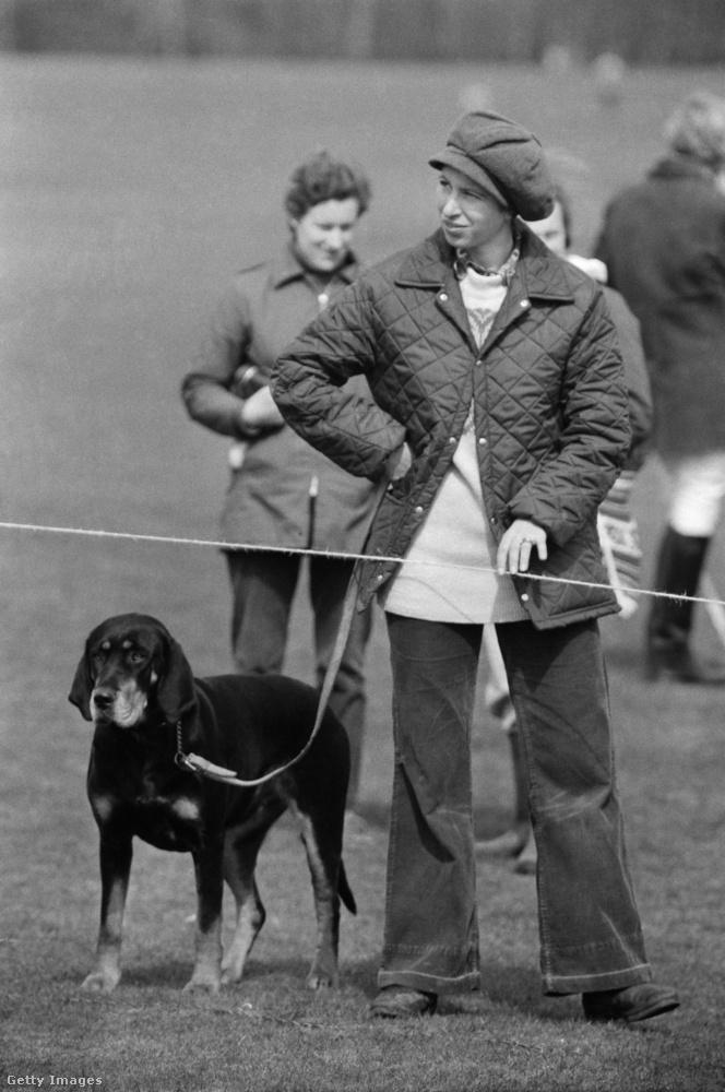 Steppelt kabát és bő szabású farmer az 1985-ös Windsor Horse Trialson.