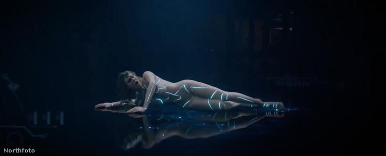 Taylor Swift új klipje csütörtökön fog megjelenni, ami október 26-át jelent