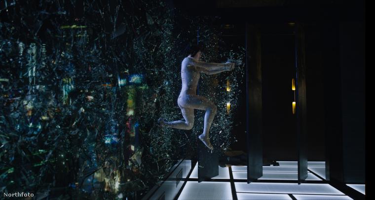 De nemcsak az idézi a filmet, hanem, mint láthatják, konkrét beállítások is.