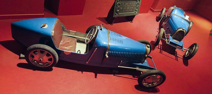 Ettore fiának, az akkor csupán néhány éves Rolandnak építette meg a közkedvelt Type 35 méretarányos mását. A benne levő kicsi benzinmotor helyét kellemetlen hangja miatt azonban idővel villanymotor vette át