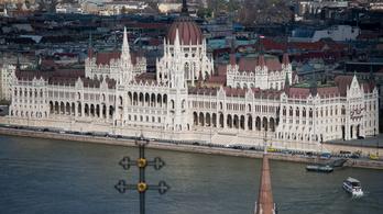 Jobbik: Lebontjuk a Kossuth téri kordont