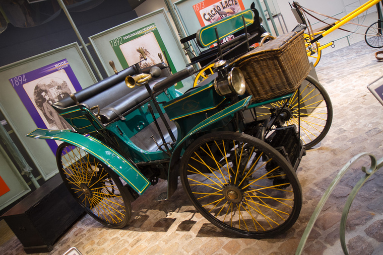 A Type 3 Vis á Vis-t 1891-ben mutatták be, és a Párizs-Brest bicikliverseny jelentette nyilvánosságot igyekeztek kihasználni