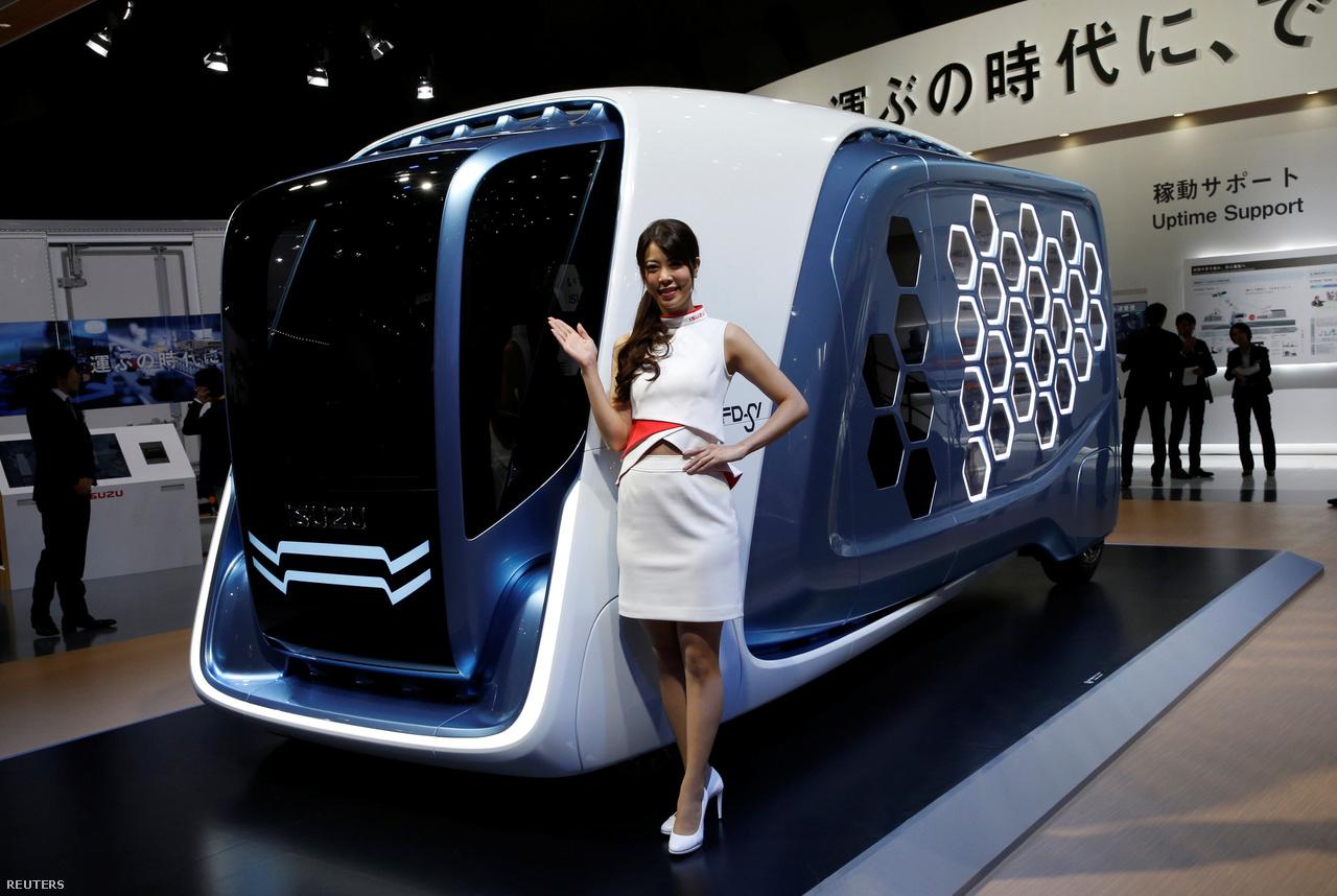 Az Isuzu Motor szerint így néz ki majd a jövő teherautója. Az FD-SI oldalán megfigyelhető méhsejtdizájn nem véletlen: a raktér hatszög alakú rekeszekből áll, az Isuzu szerint ez megkönnyíti a rakodást és szállítást.