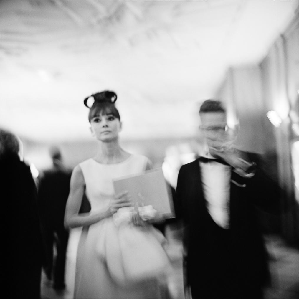 Audrey Hepburn a My Fair Lady chicagói premierjén, RKO Palace Színház, 1964. október 23. (zselatinos ezüst, 2014)