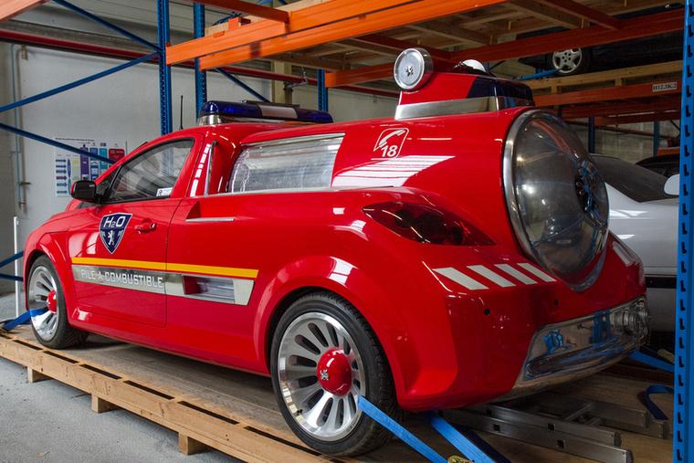 A kocsit a Partner Electric alapjaira építették