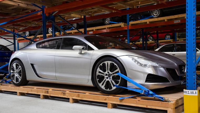 A 2008-as Párizsi Autószalonon leplezték le az RC Hybrid4-et, amely egy 1,6-os THP benzines és egy villanymotor kombinációjából 313 lóerőt tudott