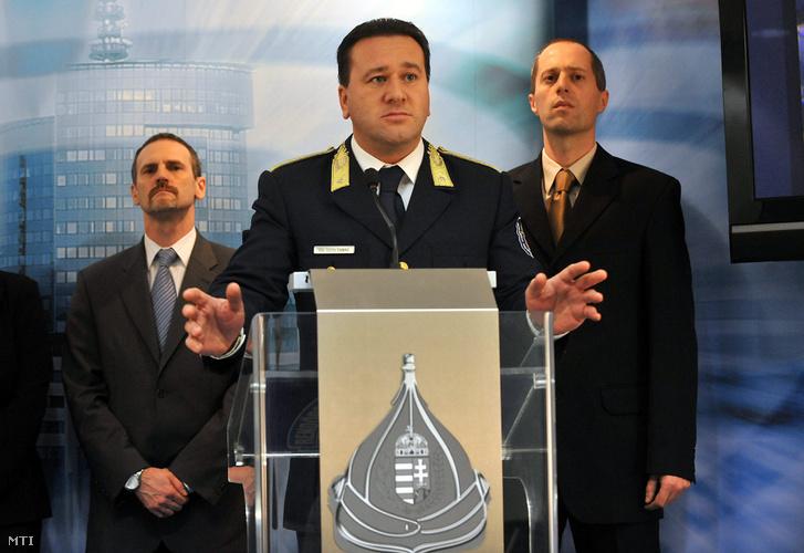 Tóth Tamás még Budapest rendőrfőkapitányaként A BRFK székházában 2011 december 7-én.