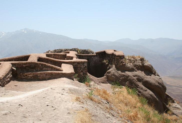 Az alamuti erőd romjai Iránban, 2007
