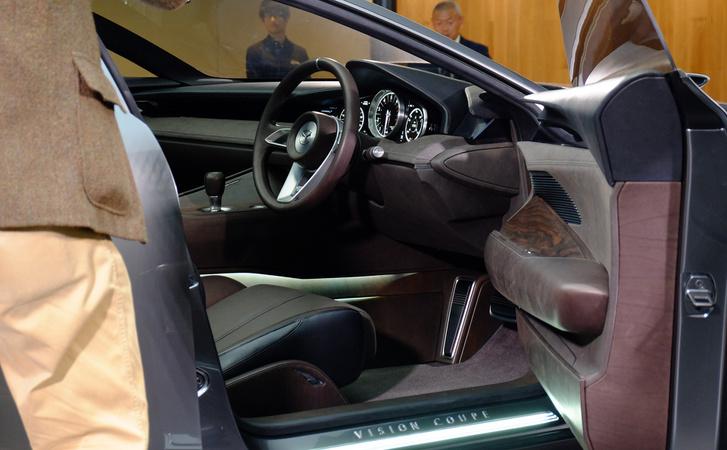 Ez meg itt a másik tanulmány, a Vision Coupe belseje, e