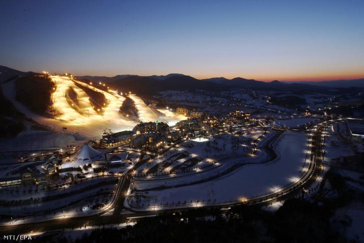 Az Alpenszia síüdülőhely a 2018-as téli olimpiának otthont adó dél-koreai Pjongcsang megyében 2017. február 1-jén.