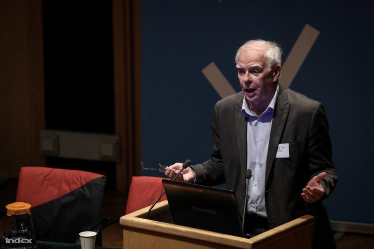 Harmatta János, a Tündérhegyi pszichoterápiás osztály vezetője