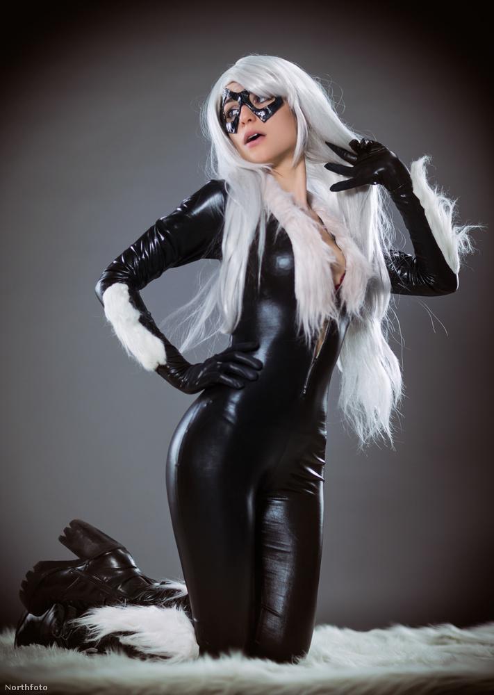 Elsőre nem biztos, hogy megmondanánk, hogy az előző, és ezen a képen ugyanaz a személy látható.Ő itt Black Cat, a Marvel-univerzumból.